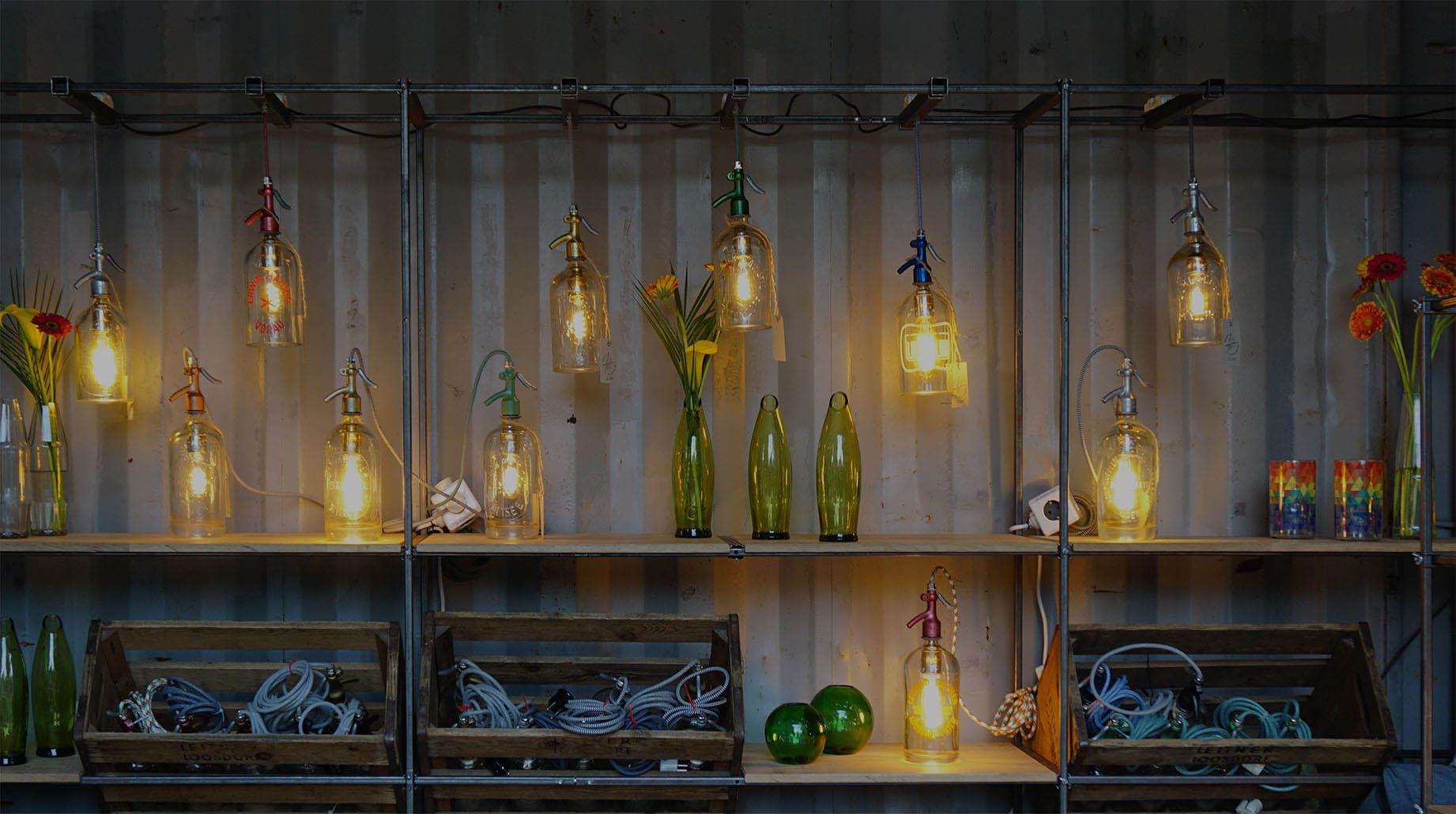 Produktpräsentation Hängeleuchte Tischleuchte aus Sodaflasche Sodaflaschen Syphonflasche Syphonflaschen fett handmade upcycling products